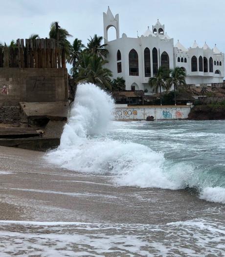 'Extreem gevaarlijke' orkaan Willa wordt sterker en nadert Mexico