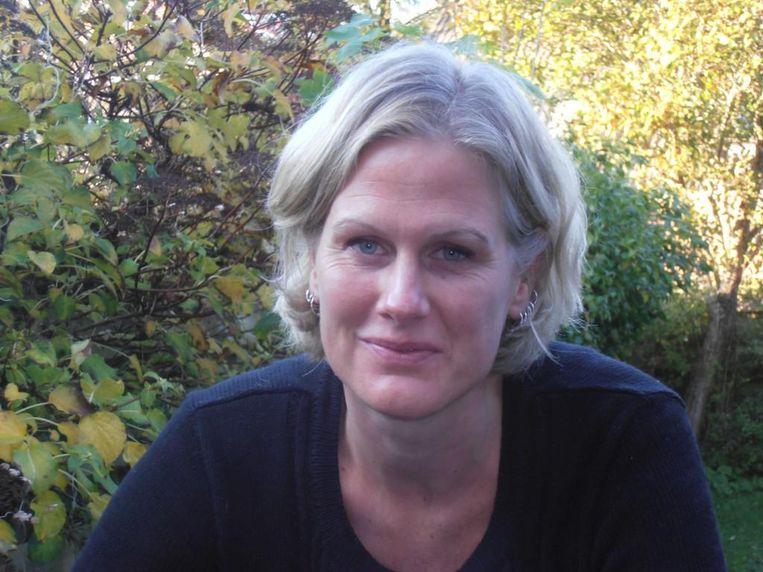 Laura Batstra: 'Ik dacht: is dat geen illusie? Dat je op zaterdagochtend rustig de krant kunt lezen met kleine kinderen over de vloer? Ik las zelf al járen de krant niet in het weekend.' Beeld