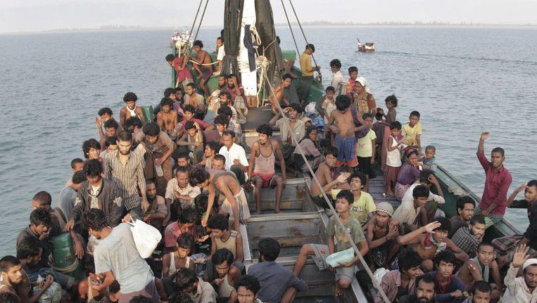 Bootvluchtelingen voor de kust van Indonesië Beeld ap