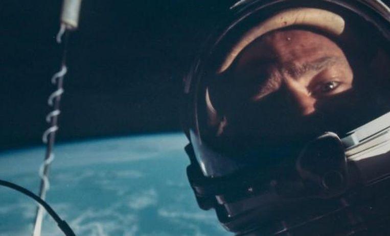 De eerste ruimteselfie ooit werd in 1966 genomen door Buzz Aldrin, de tweede man op de maan.