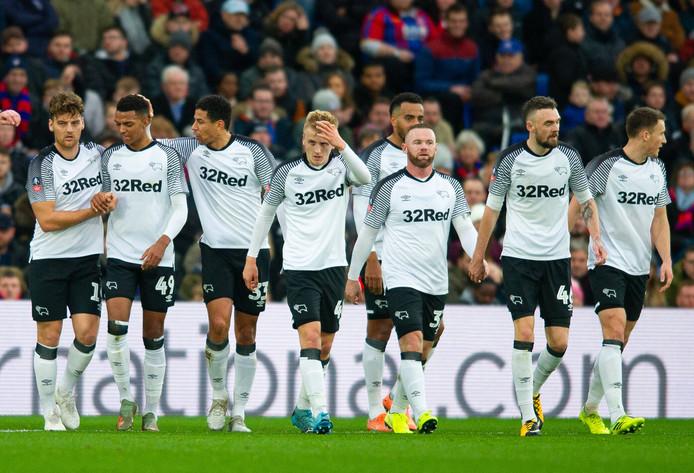 Derby County viert de treffer van Chris Martin.