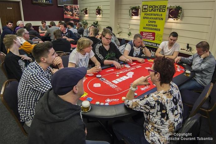 Voor de landelijke finale van het Open Nederlands Kampioenschap Pokeren heeft zich tot nu toe een deelnemer uit Noordoost-Twente geplaatst. Wouter Spitshuis was winnaar van de lokale voorronde in Oldenzaal en wist zich daarmee te kwalificeren.