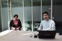 Oprichtster en voorzitter Margret Ester en bewoner van AZC Hardenberg, Manovchehr Tizkhan, de ontwerper van de website.