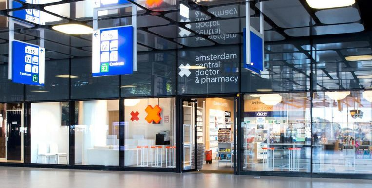 De apotheek in het Centraal Station. Beeld Amsterdam Central Doctor & Pharmacy