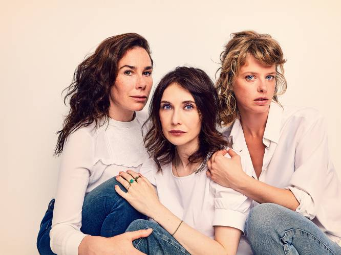 """Actrices Halina Reijn (45), Carice van Houten (44) en Maaike Neuville (37) schitteren samen in 'Red Light': """"De prostitutiewereld is minder zwart-wit dan we denken"""""""