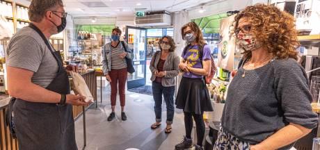 Zwolle leert 'zero waste' boodschappen doen met eigen potjes en zakjes