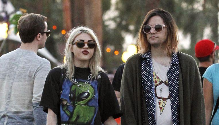 Frances Bean Cobain met haar ex Isaiah Silva. Hij kreeg de gitaar.