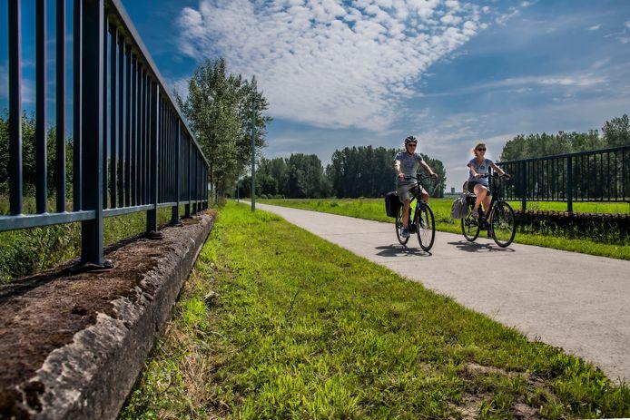 Een hele maand mei kan men in Grobbendonk en Vorselaar fietsen van kunstwerk naar kunstwerk