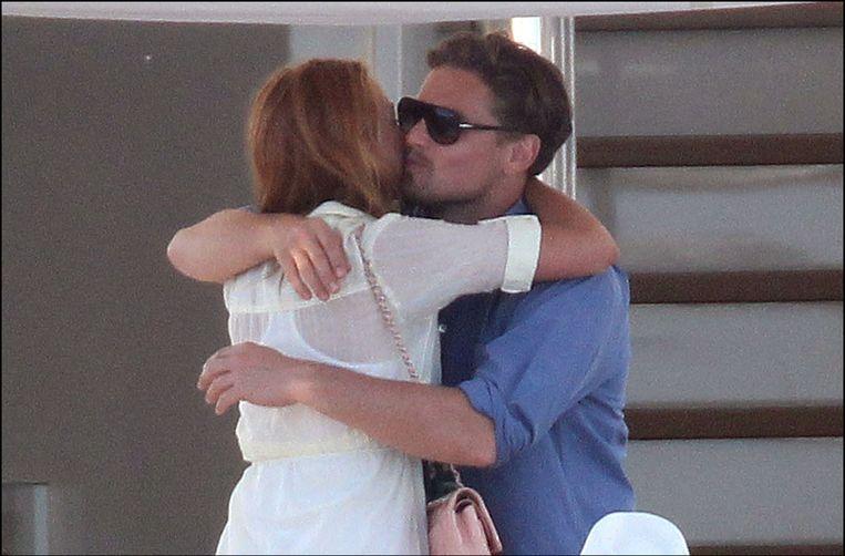 First date: op een jacht voor de kust van Cannes. Beeld PHOTO_NEWS