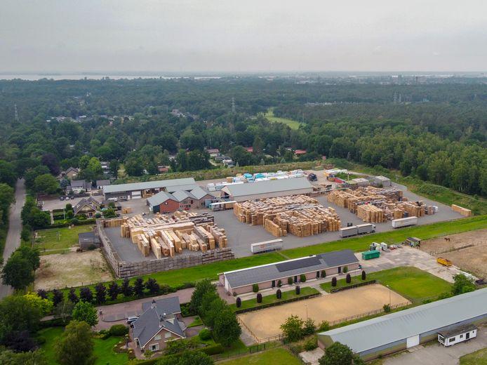 Palletfabriek Ten Hove heeft volgens de Raad van State te laks gehandeld bij de afbraak van illegale bebouwing.