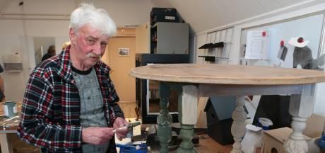 Bewoners Korsakov-afdeling werken in Werkplaats De Haven aan meubels én aan zichzelf: 'We geven ze houvast'