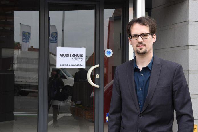 Björn Van Moorleghem opent het Muziekhuis in de Brugsesteenweg 42 in Kortrijk.