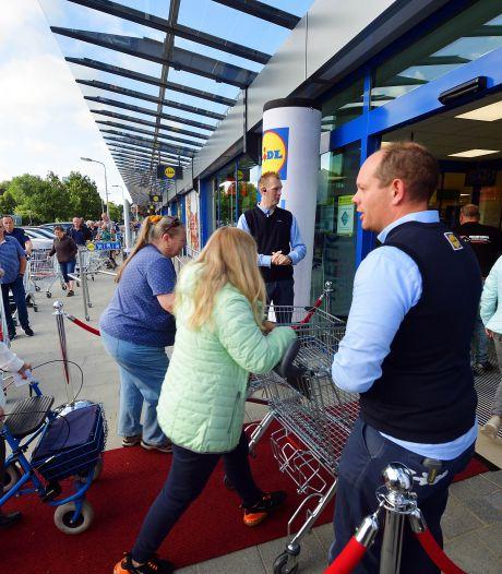 Grote drukte bij vernieuwde Lidl in Roosendaal: 'Het is toch onze buurtwinkel'