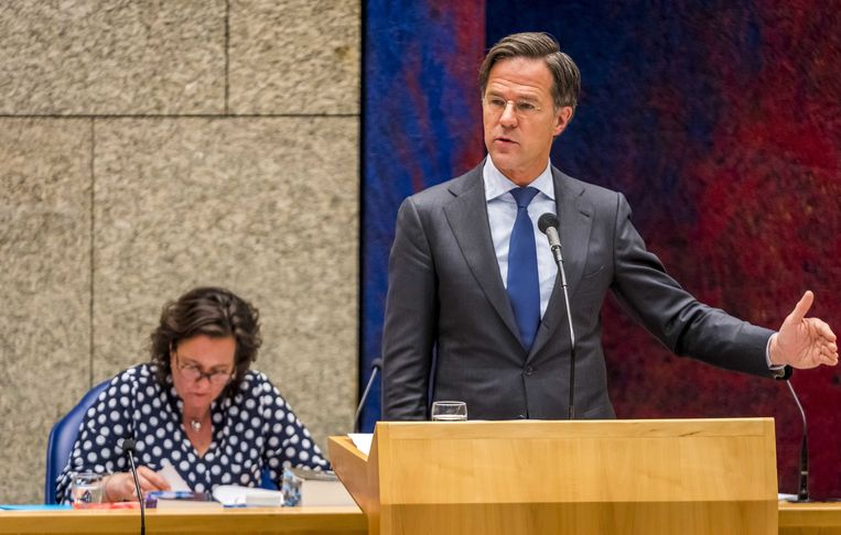 Demissionair premier Mark Rutte in de Tweede Kamer tijdens het coronadebat van woensdag. Beeld ANP
