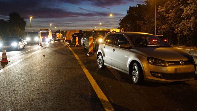 Bij het ongeluk op de A1 bij Bathmen waren in totaal vijf voertuigen betrokken.