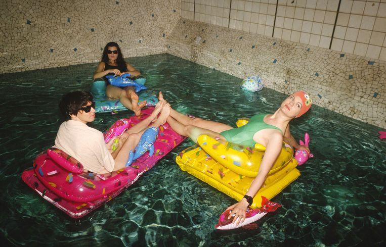 Zwembad in discotheek Les Bains Douches, Parijs, 1990. Een ontwerp van Philippe Starck. Beeld null
