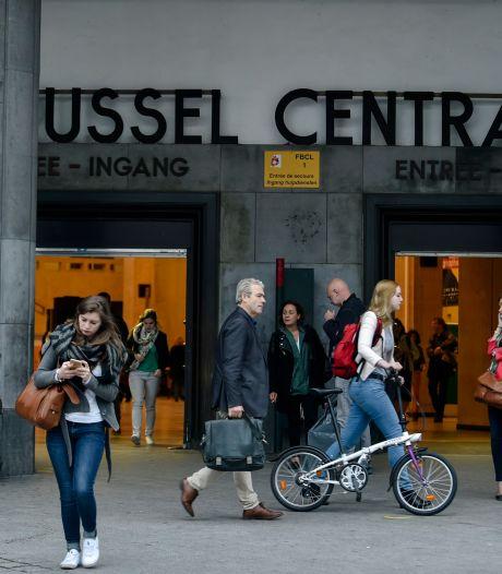 """Rassemblement d'une quinzaine de personnes à Bruxelles contre des """"mesures Covid non constitutionnelles"""""""