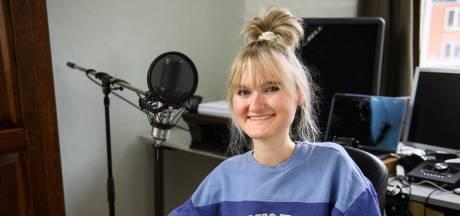 Silke Veld (22) uit Ootmarsum droomt van een eigen album: 'Ik heb altijd alles durven zeggen en doen wat er in me op kwam'