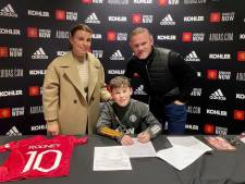 In de voetsporen van clublegende Wayne: Kai Rooney (11) tekent jeugdcontract bij Manchester United