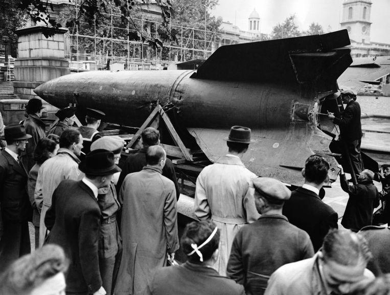 September 1945: V2-raket op een tentoonstelling in Londen. Beeld Hollandse Hoogte / AFP