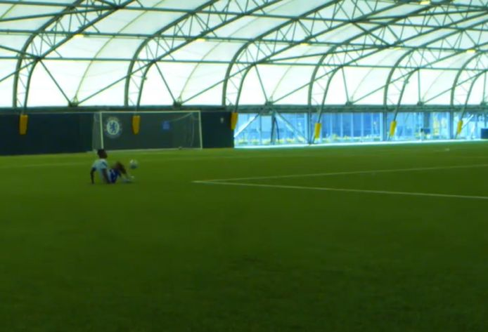 Musonda op het trainingscentrum van Chelsea.