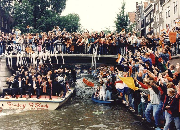 De huldiging Nederlands elftal na overwinning EK Voetbal 1988. Beeld Hollandse Hoogte /  ANP