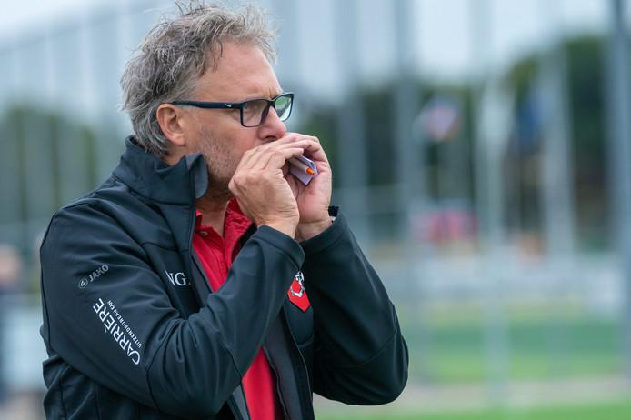 Oefenwedstrijd tussen SC Bemmel en Bennekom, Trainer Ronals Grotenbreg van SC Bemmel.