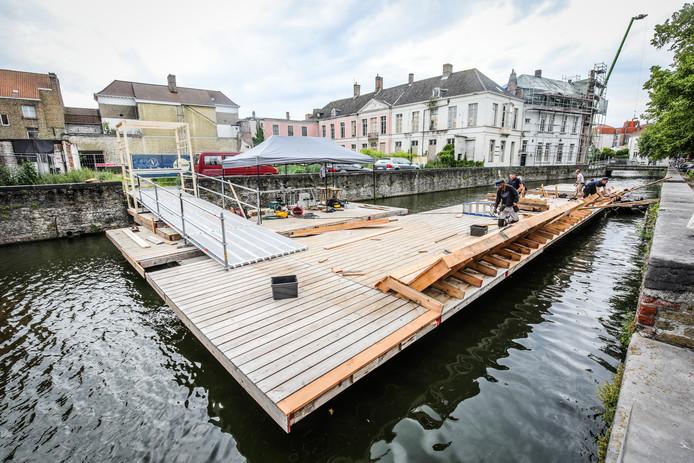 Brugge aanleg zwem ponton