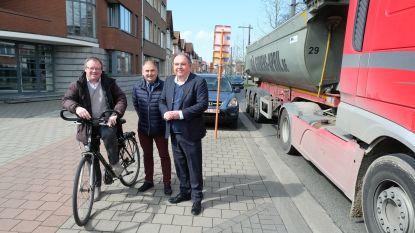 Eén tegen allen, allen tegen zwaar verkeer: Mortsel, Borsbeek en Boechout gaan samen vrachtwagens uit dorpskern weren via slimme camera's