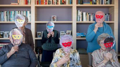 Senioren vieren carnaval met maskerspel