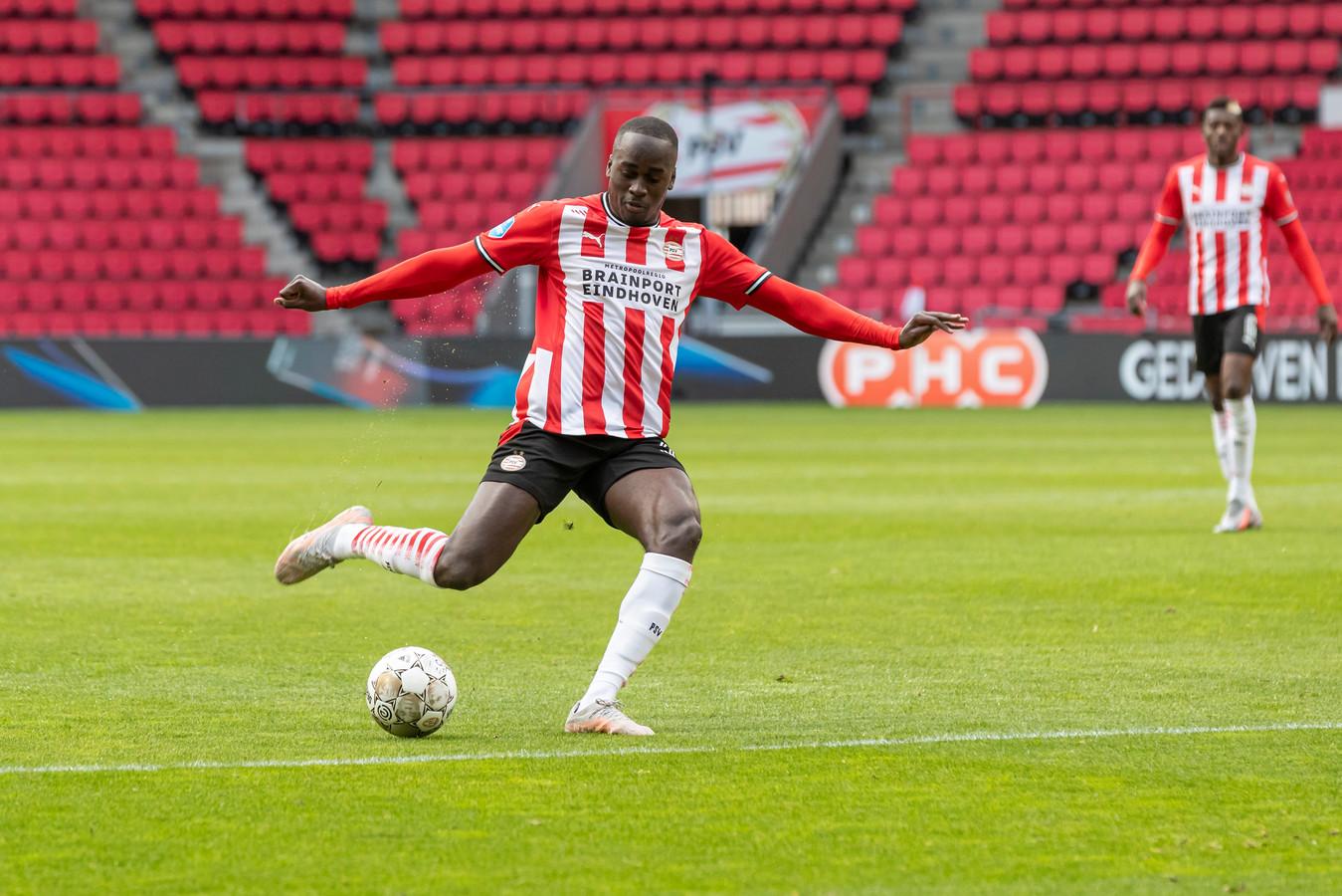 Jorden Teze tijdens PSV-sc Heerenveen.