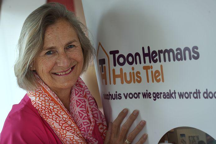 Vrijwilliger Ellen Hoenderop van het Toon Hermanshuis.