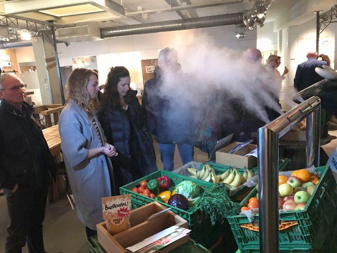 Eén van de ideeën om groente en fruit langer en beter houdbaar te houden in de supermarkt is de vernevelaar.