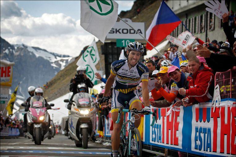 Thomas De Gendt won in 2012 op de Stelvio. 'Ik krijg nog altijd berichten van Italianen die sinds die dag fan van mij zijn geworden.' Beeld Photo News