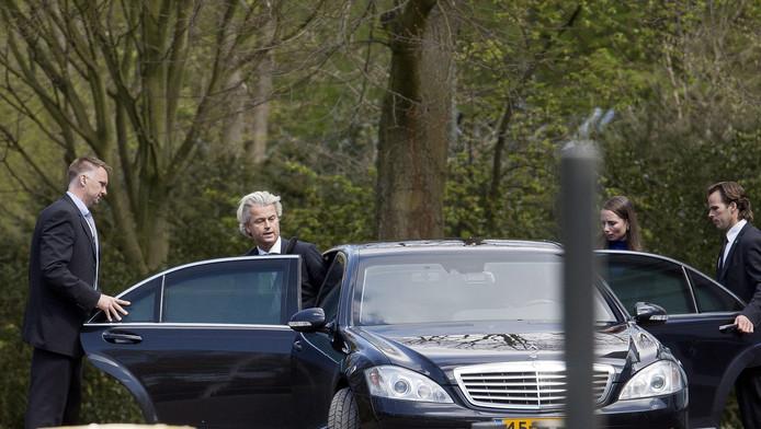 Wilders en Agema verlaten het overleg.