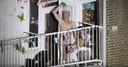 Archieffoto uit 2018. Een verwarde man drong een woning binnen, speelde naakt blokfluit op het balkon en draaide de gaskraan open in Den Haag.
