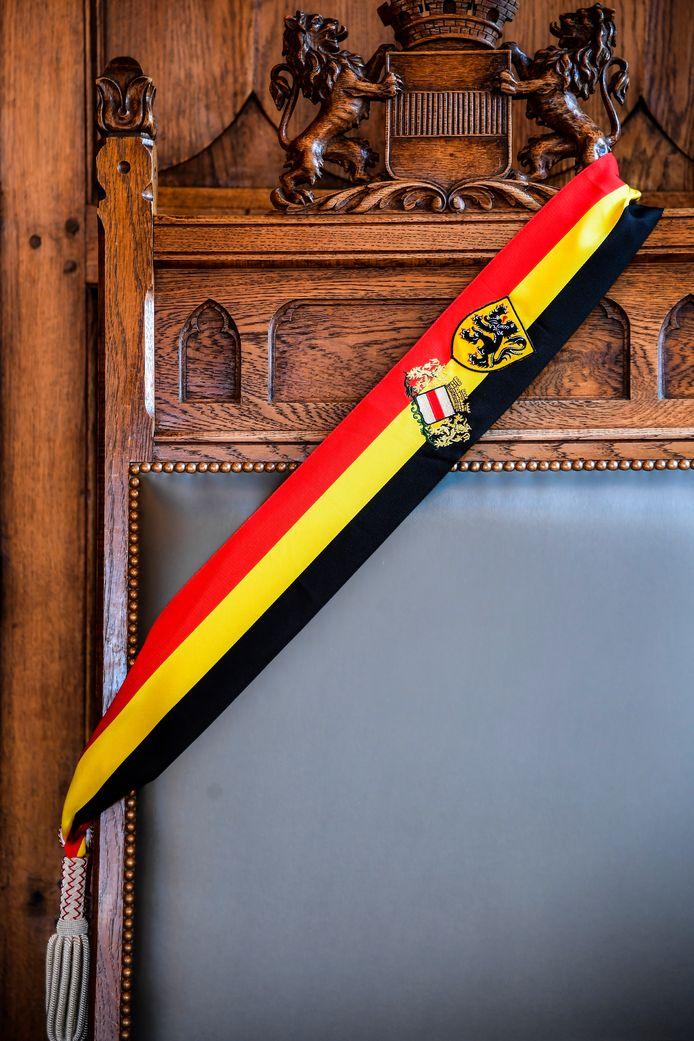 Illustratiebeeld - Vlaamse burgemeesters zullen voortaan kunnen kiezen voor een Belgische of Vlaamse sjerp.