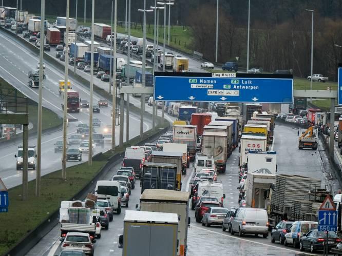 Zeker geen stadsboulevard met verkeerslichten en rotondes langs Brusselse ring: deze scenario's liggen wél nog op tafel