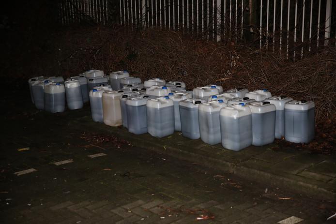 De jerrycans met drugsafval in Roosendaal