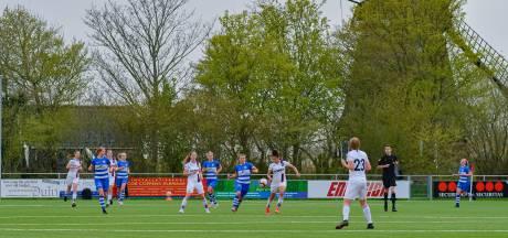 PEC Zwolle Vrouwen moet nog een week langer wachten op de eerste overwinning in poule B