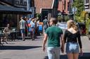 Op meerdere plekken in de Hengelose binnenstad zijn de terrassen weer geopend.