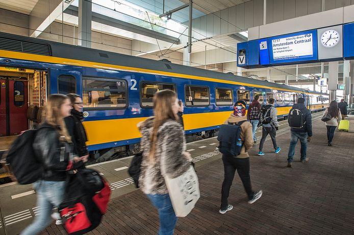 De Intercity Direct tussen Breda en Amsterdam heeft te vaak vertraging.