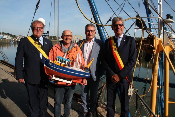 Nieuwpoort ontvangt minister Koen Van Den Heuvel naar aanleiding van verbod op pulsvisserij in een deel van de Noordzee.