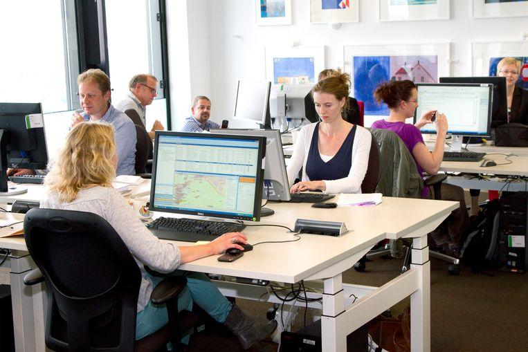 Administratief werk, hier op het provinciehuis van Utrecht, verdwijnt deels door digitalisering en automatisering. Dat dreigt veel vrouwen hun baan te kosten.  Beeld Bert Spiertz, HH