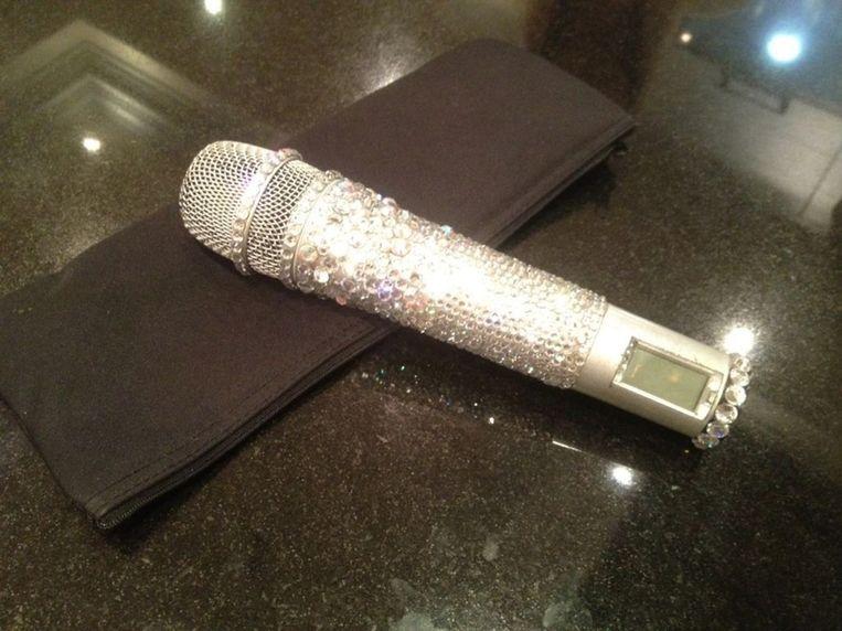 De microfoon van Posh Spice. Beeld Brunopress