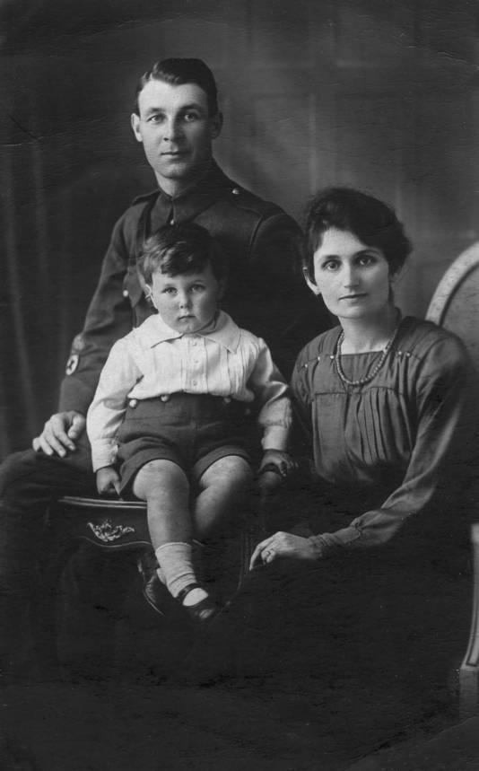 Sergant Maurice S. Pepper kwam om het leven toen de bommenwerper waar hij inzat in de Tweede wereldoorlog neerstortte in het Limburgse Echt
