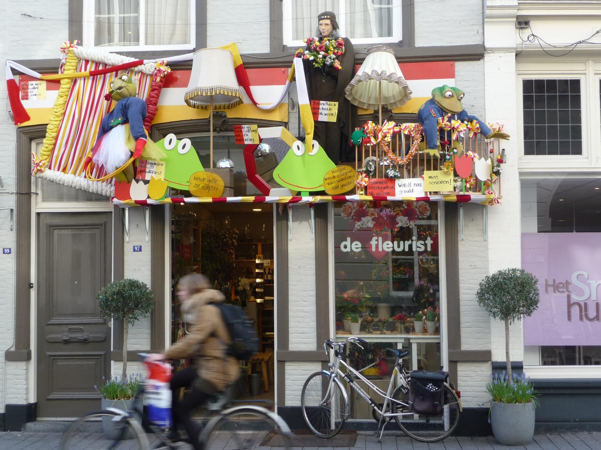 De Veurgevel van de Fleurist in de Hinthamerstraat