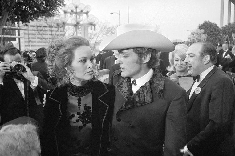 Na slechts zeven dagen was de liefde tussen Dennis Hopper en zangeres Michelle Phillips al op.