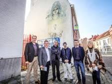 """Daar is de nieuwe streetart: """"We twijfelden eerst of de Bruggelingen dit wel zouden aanvaarden"""""""