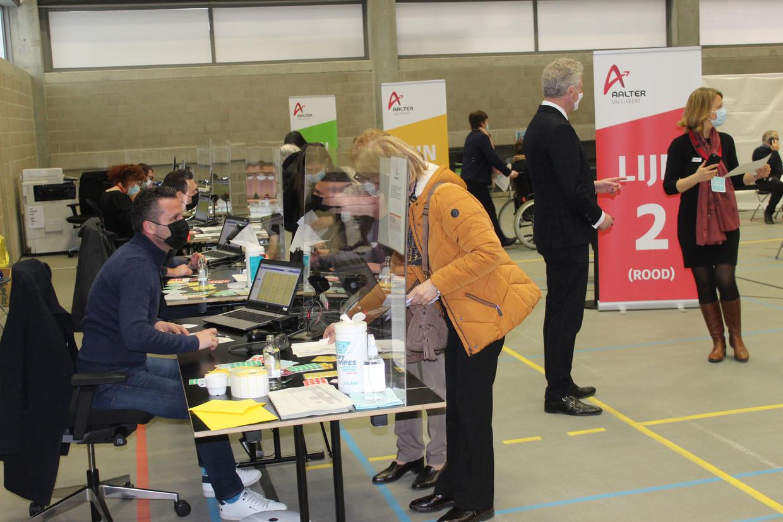 Het vaccinatiecentrum in Aalter. Beeld Joeri Seymortier